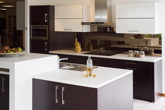 Keuken in huis en tuin for Installatiekosten badkamer